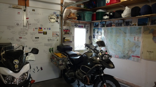 Stowasis garage, a welcoming haven for travelers